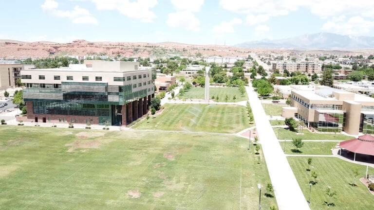 Collegium campus herbidus aquosusque area of