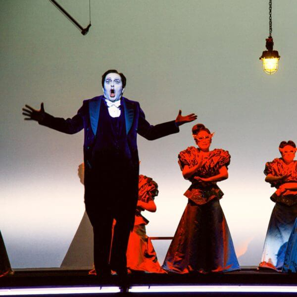 la traviata opera singer